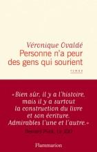 Véronique OVALDE - Personne n'a peur des gens qui sourient - Flammarion